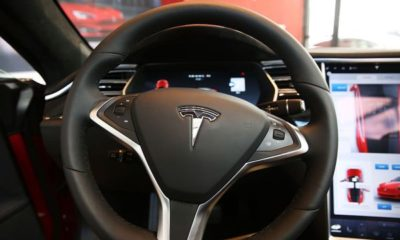 Tesla ordered to share Autopilot data with the US traffic safety agency – TechCrunch